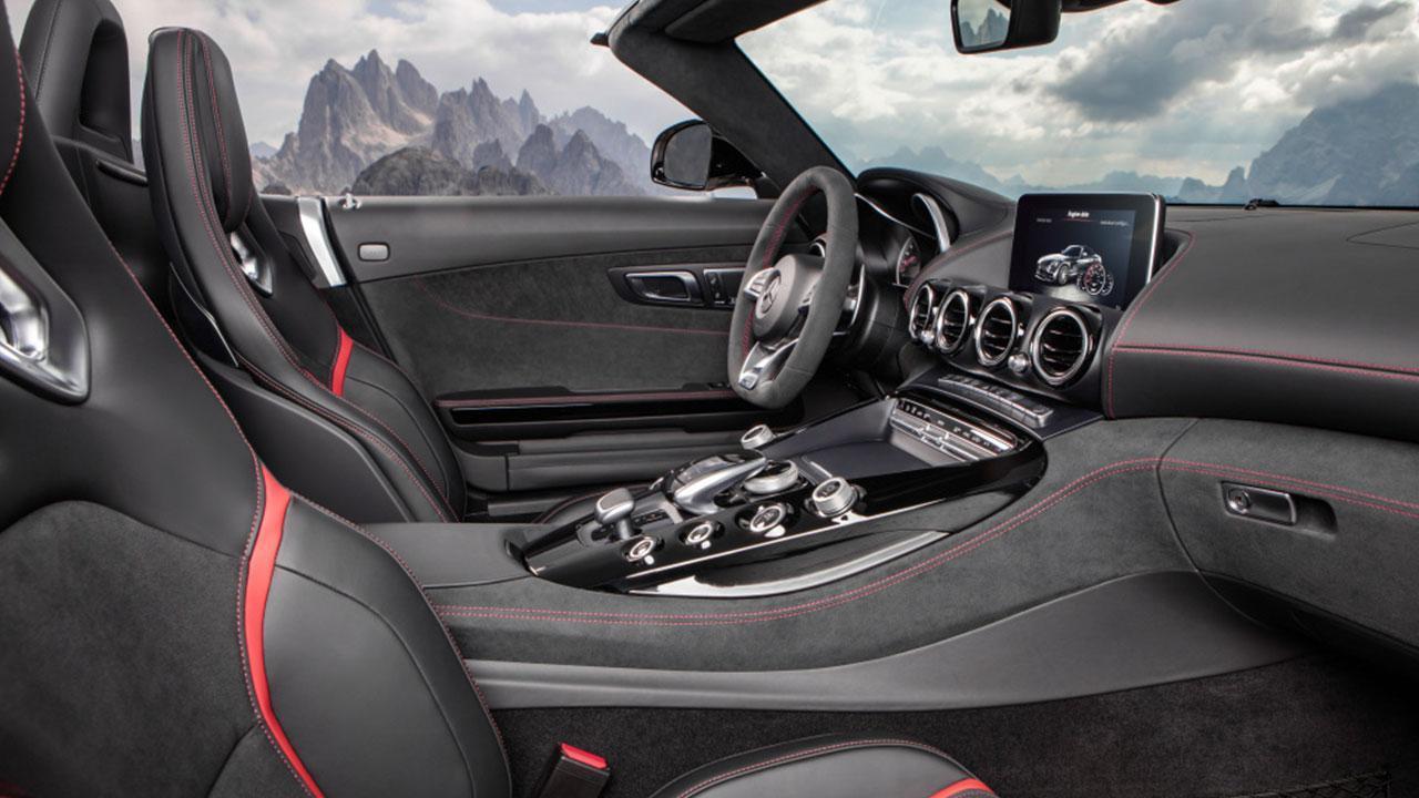 Mercedes-Benz AMG GT Roadster - Cockpit