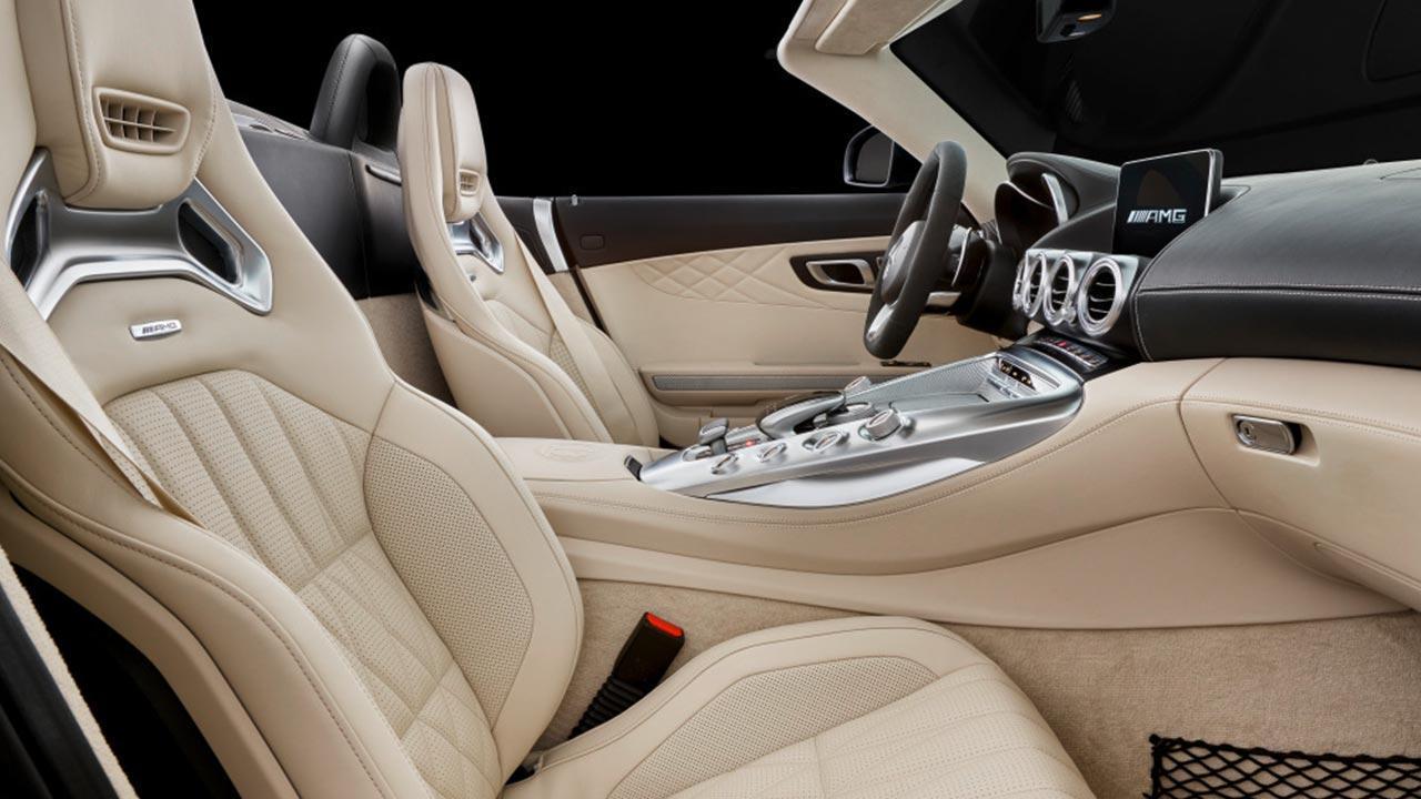 Mercedes-Benz AMG GT Roadster - Vordersitze