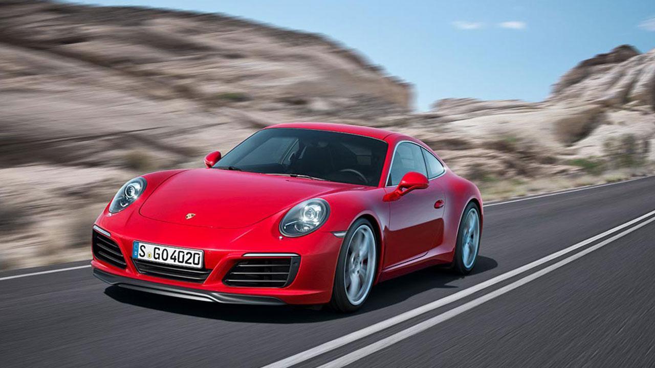 Porsche 911 Carrera - Coupé auf der Landstraße