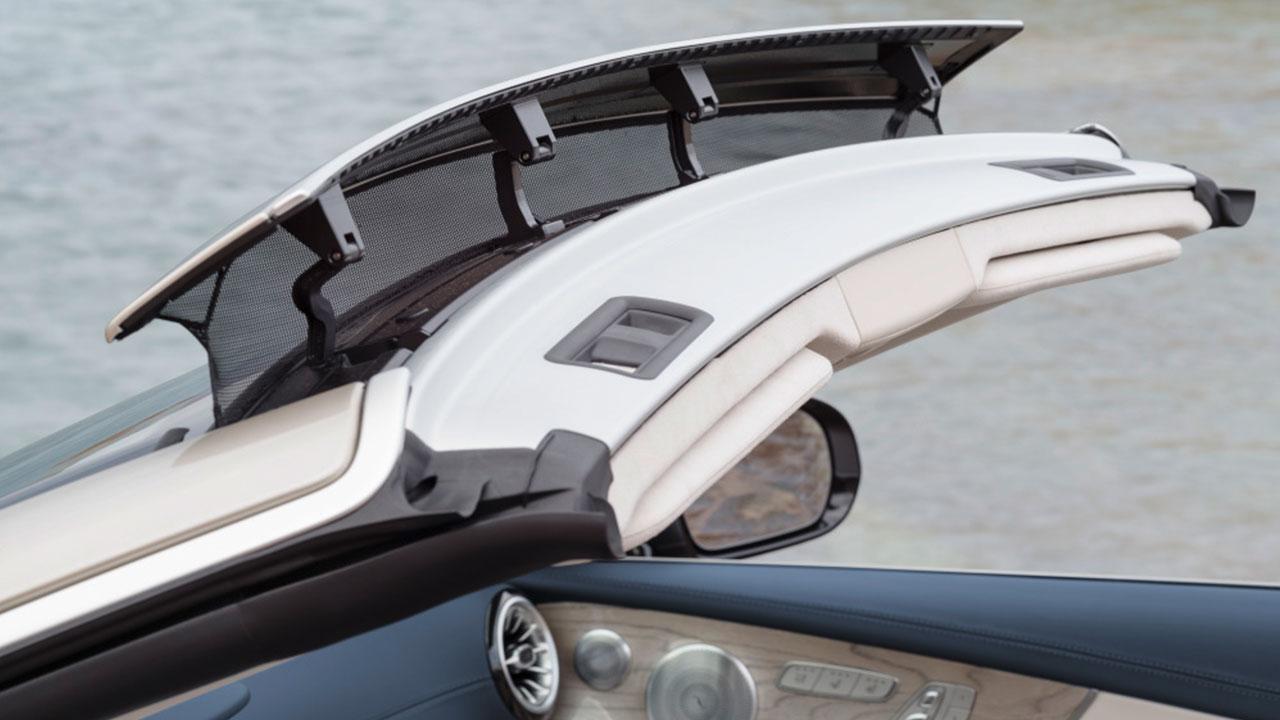 E-Klasse Cabriolet 2017 - Windschot auf der Windschutzscheibe
