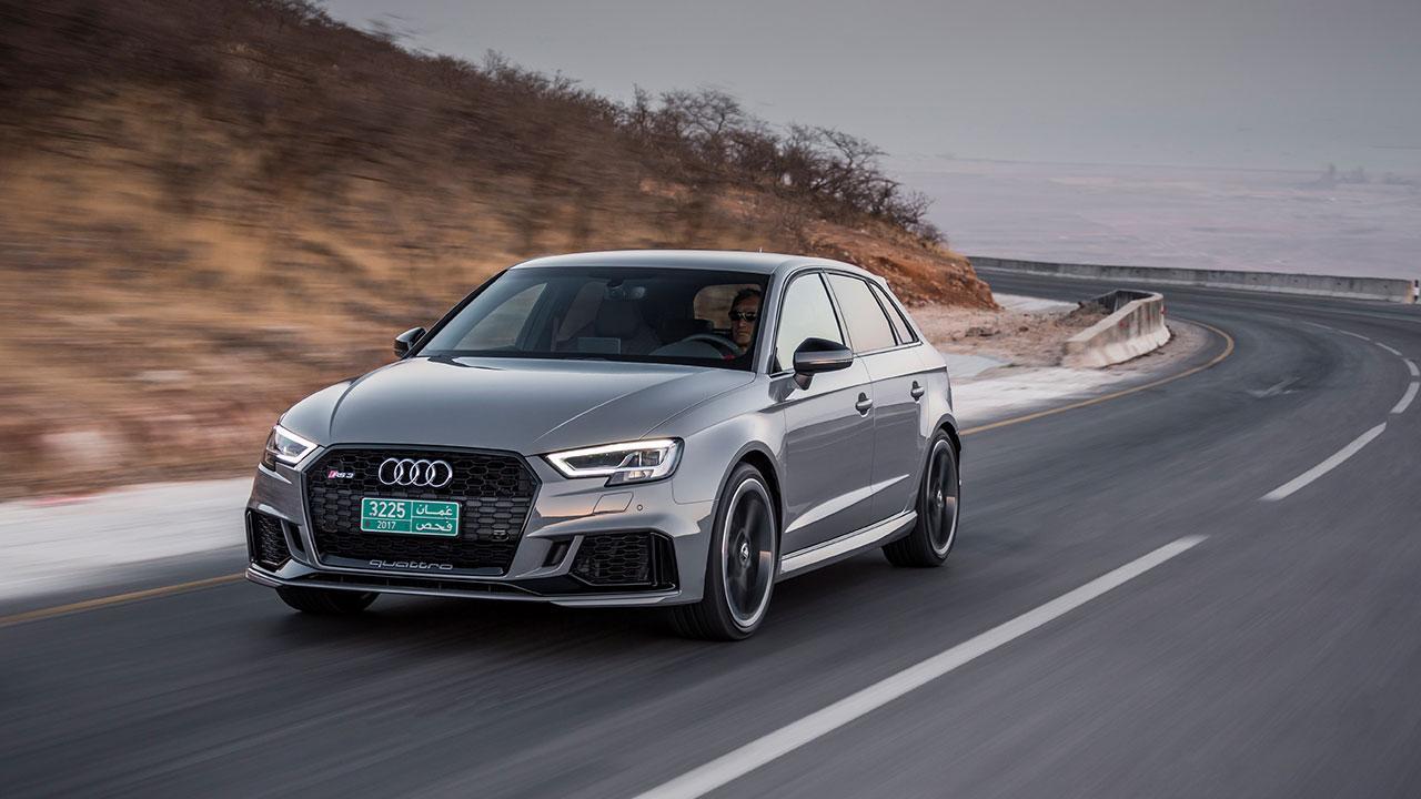 Audi RS 3 Sportback 2017 - seitliche Frontansicht