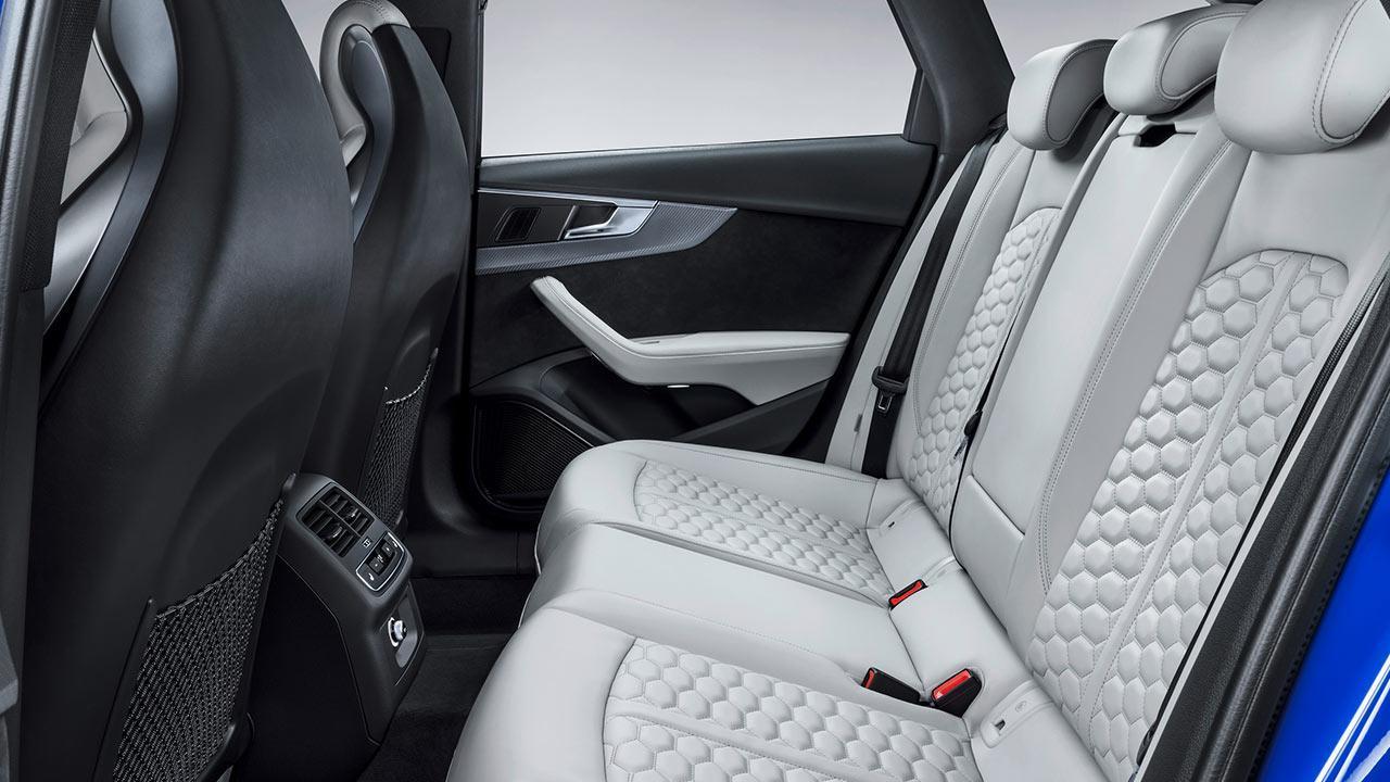 Audi RS 4 Avant 2017 - Rücksitze