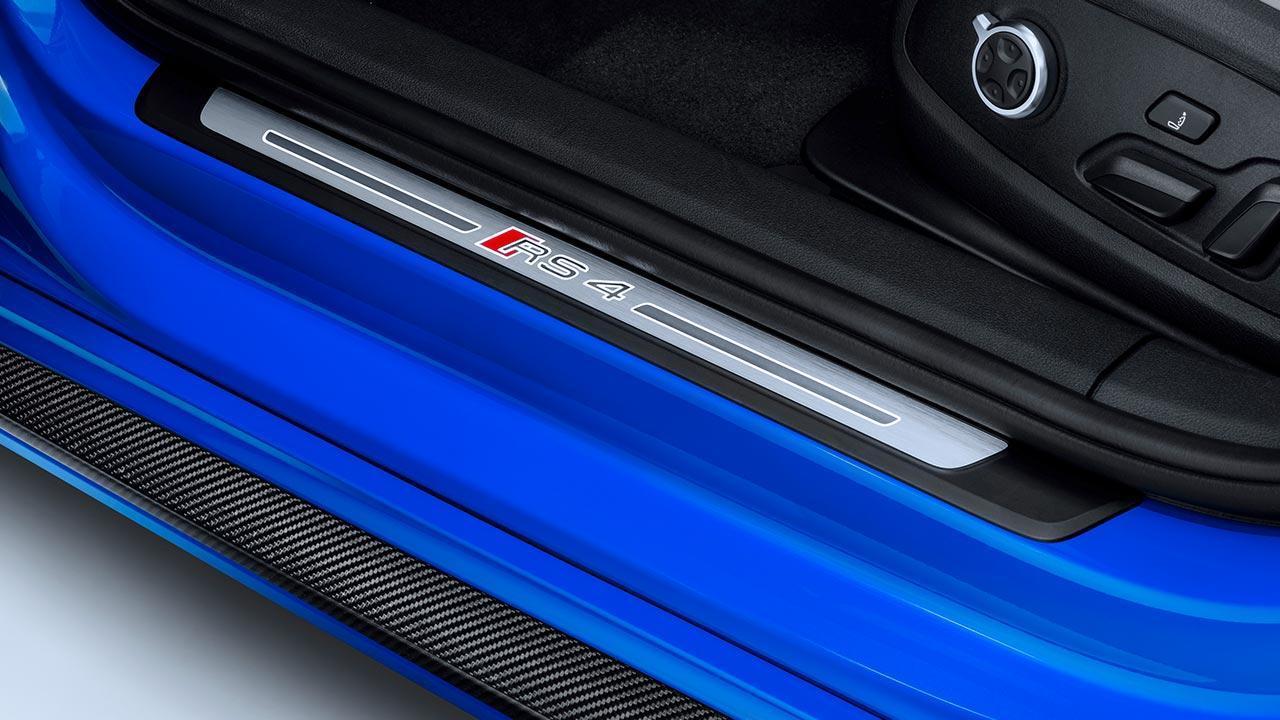 Audi RS 4 Avant 2017 - Einstieg