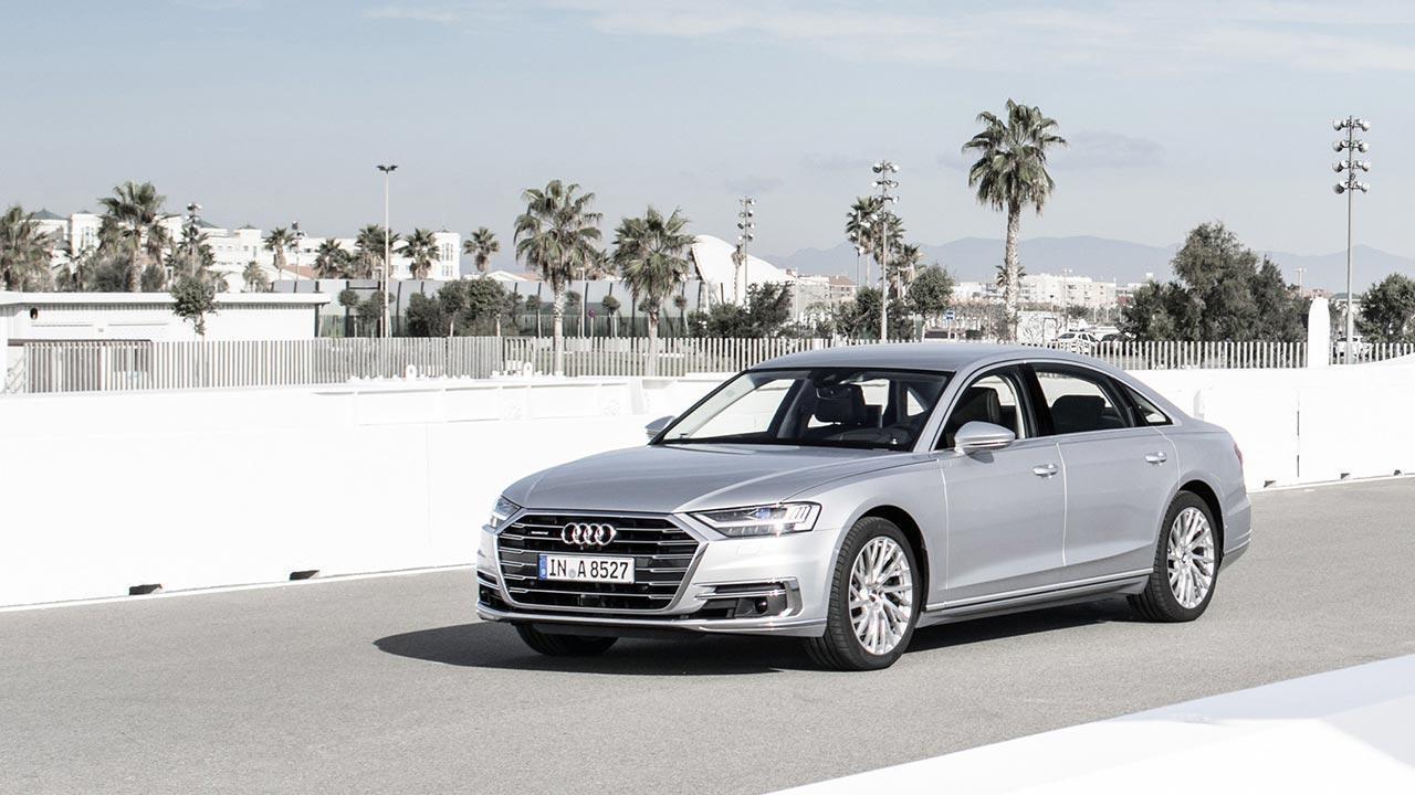 Audi A8 2017 - seitliche Frontansicht