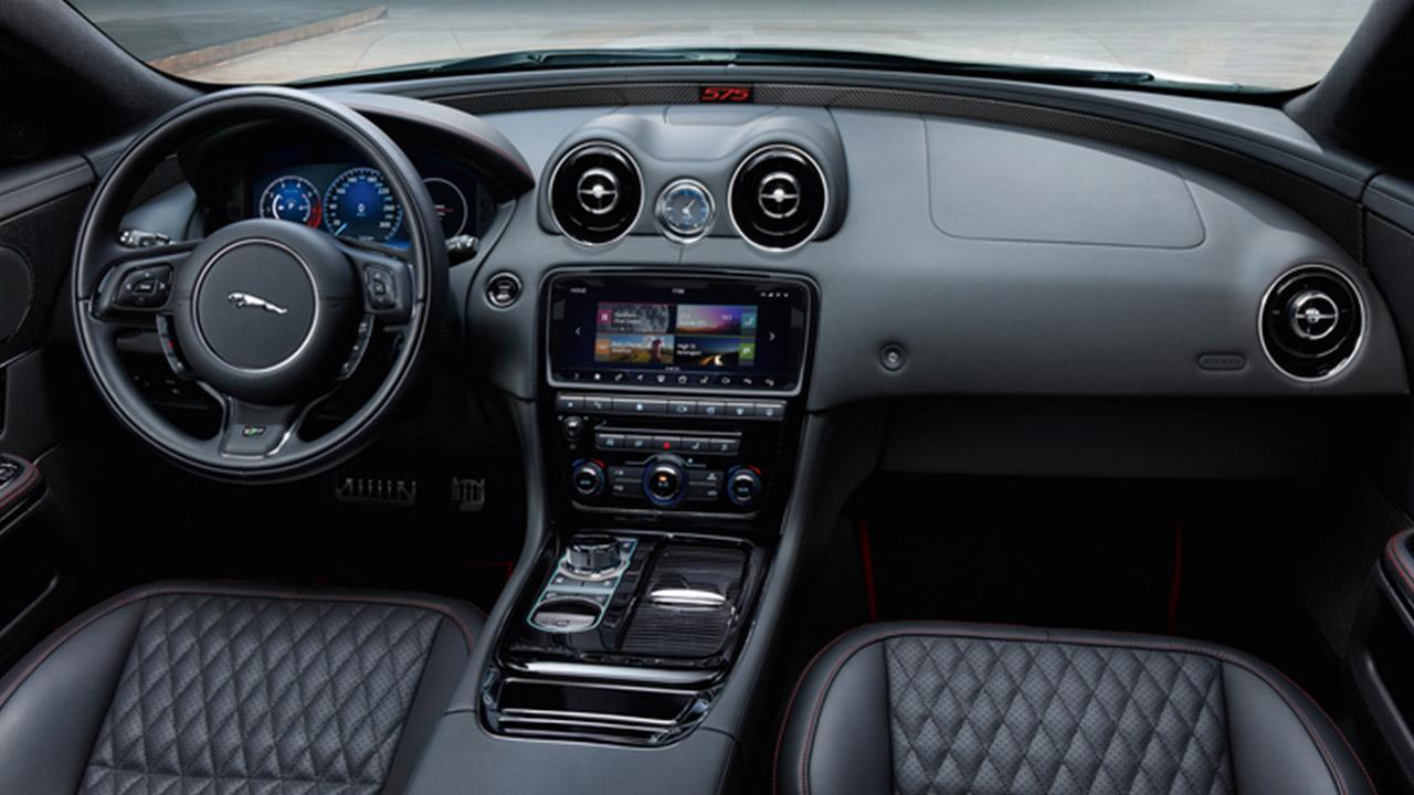 Jaguar XJ MY18 - Cockpit