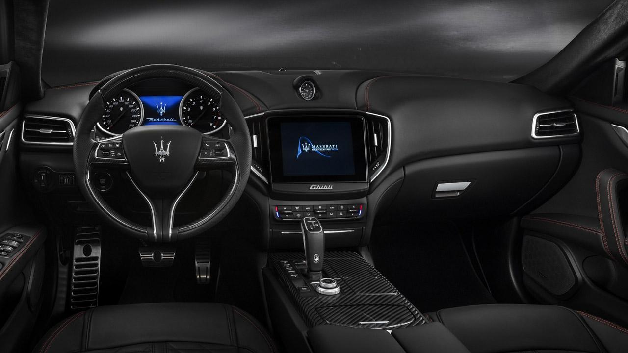 Maserati Ghibli - Cockpit
