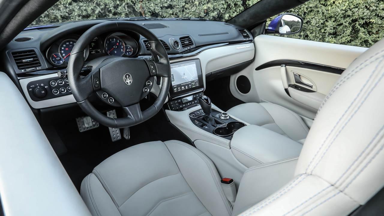 Maserati Gran Turismo - Cockpit