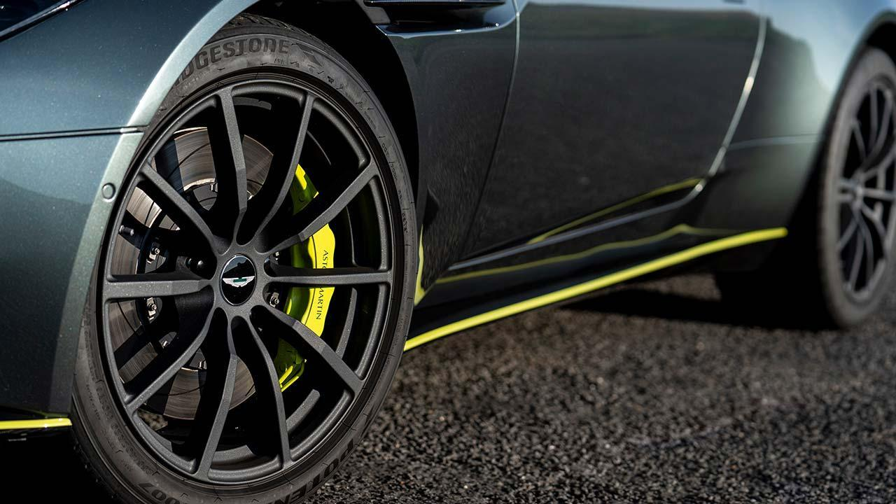 Aston Martin DB11 - Sportreifen