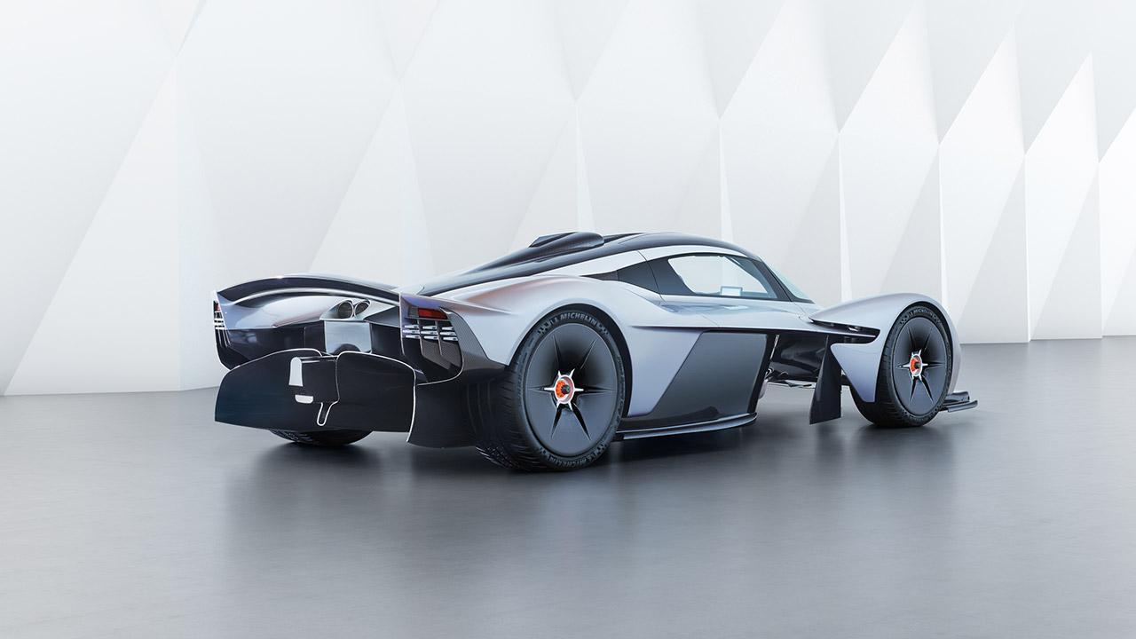 Aston Martin Valkyrie - seitliche Heckansicht