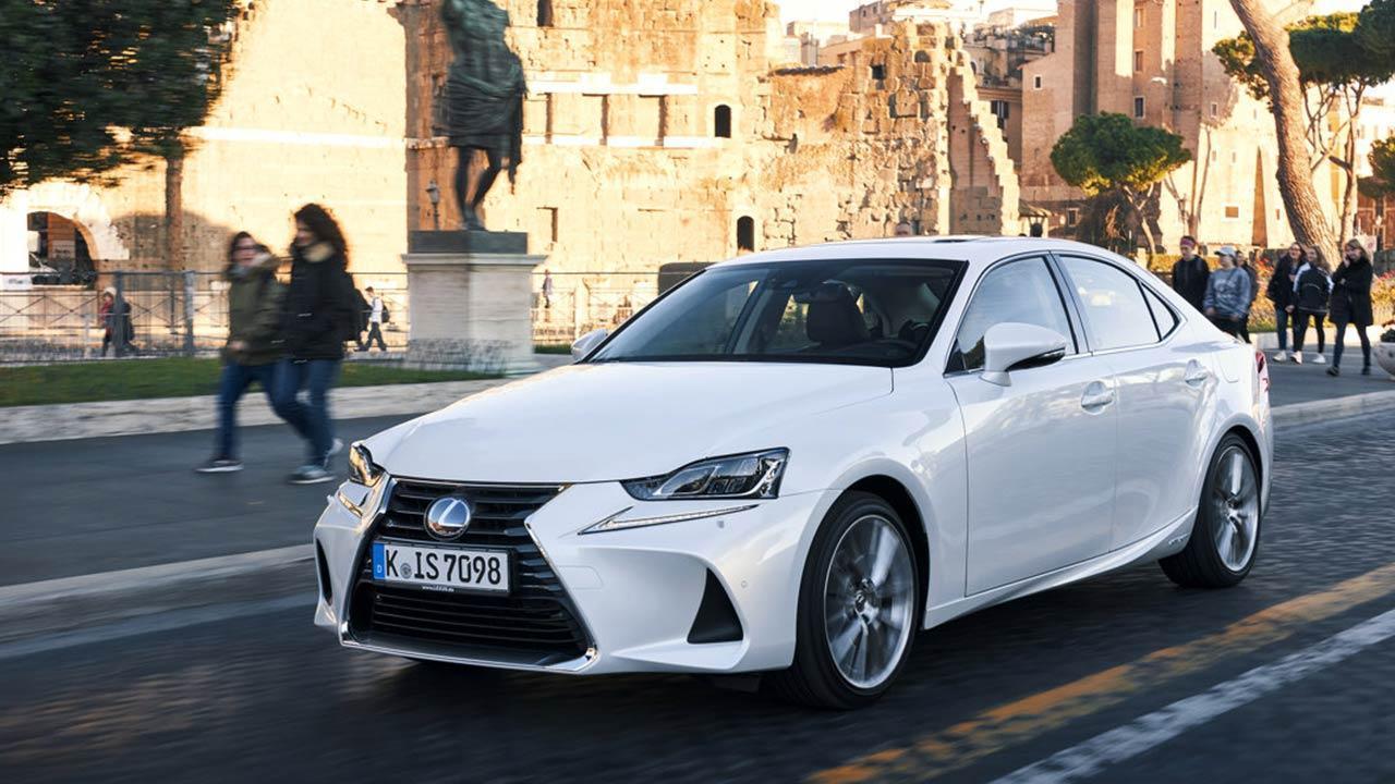 Lexus IS - unterwegs