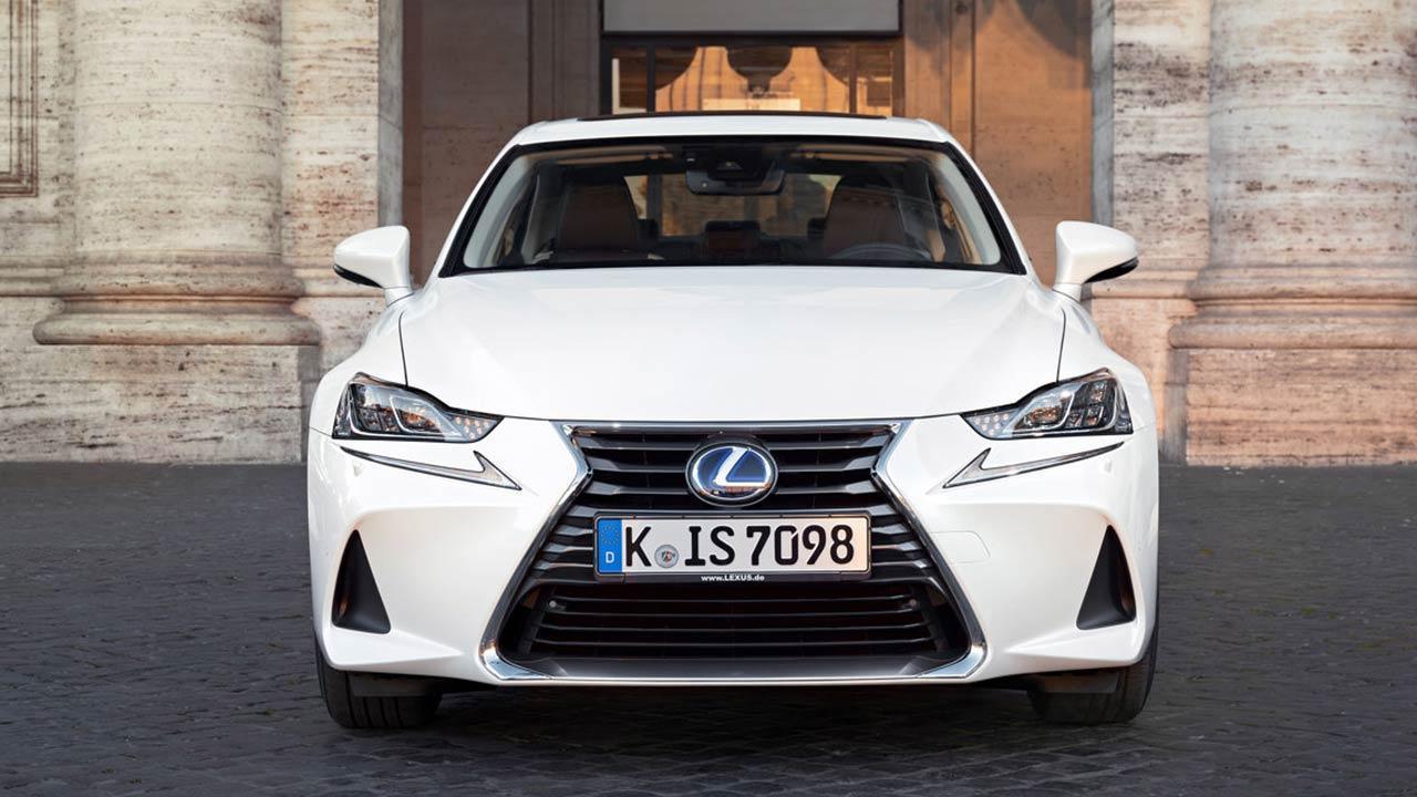 Lexus IS - Frontansicht