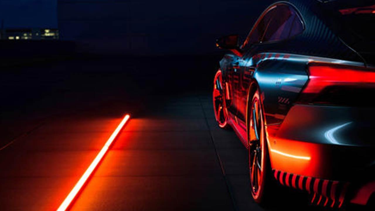 Audi e-tron GT quattro - in der Nacht