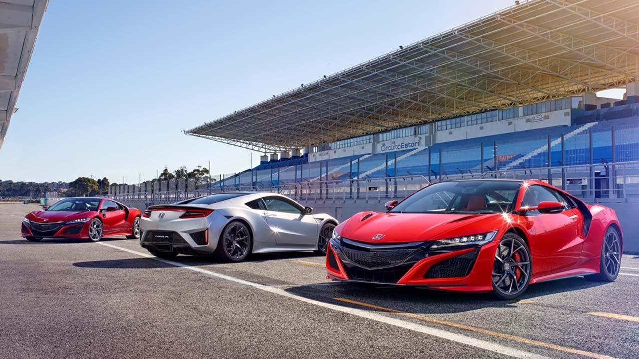 Honda NSX - mehrere Modelle in der Boxengasse
