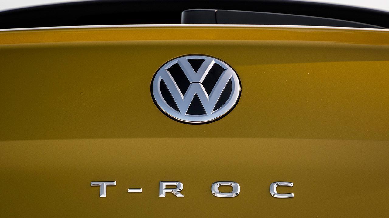 Volkswagen T-Roc - Logo und Schriftzug
