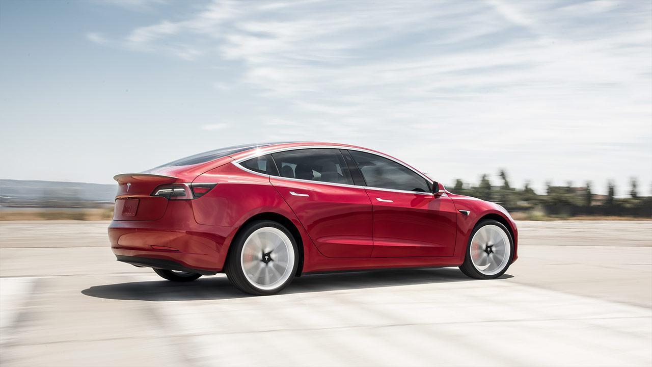 Tesla Model 3 -  Seitenansicht