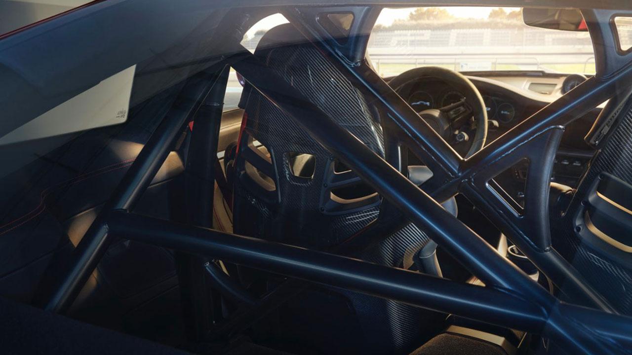 Weltpremiere des neuen Porsche 911 GT3 - Verstrebungen im Innenraum