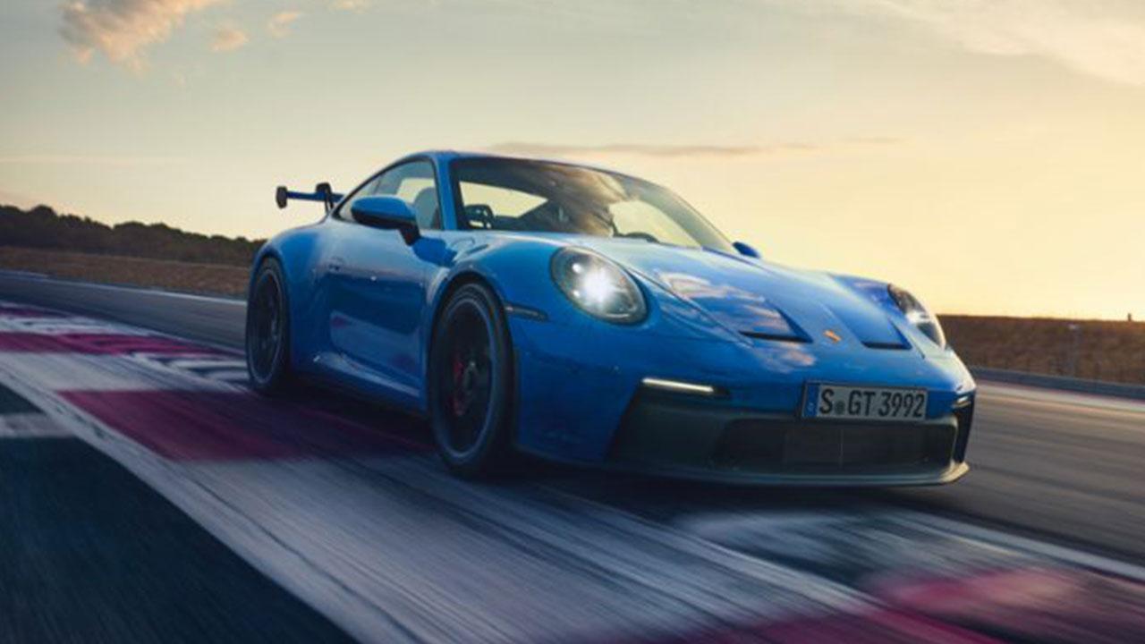 Weltpremiere des neuen Porsche 911 GT3 - in voller Fahrt