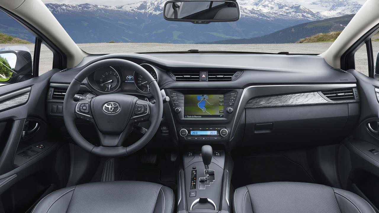 Toyota Avensis - Cockpit
