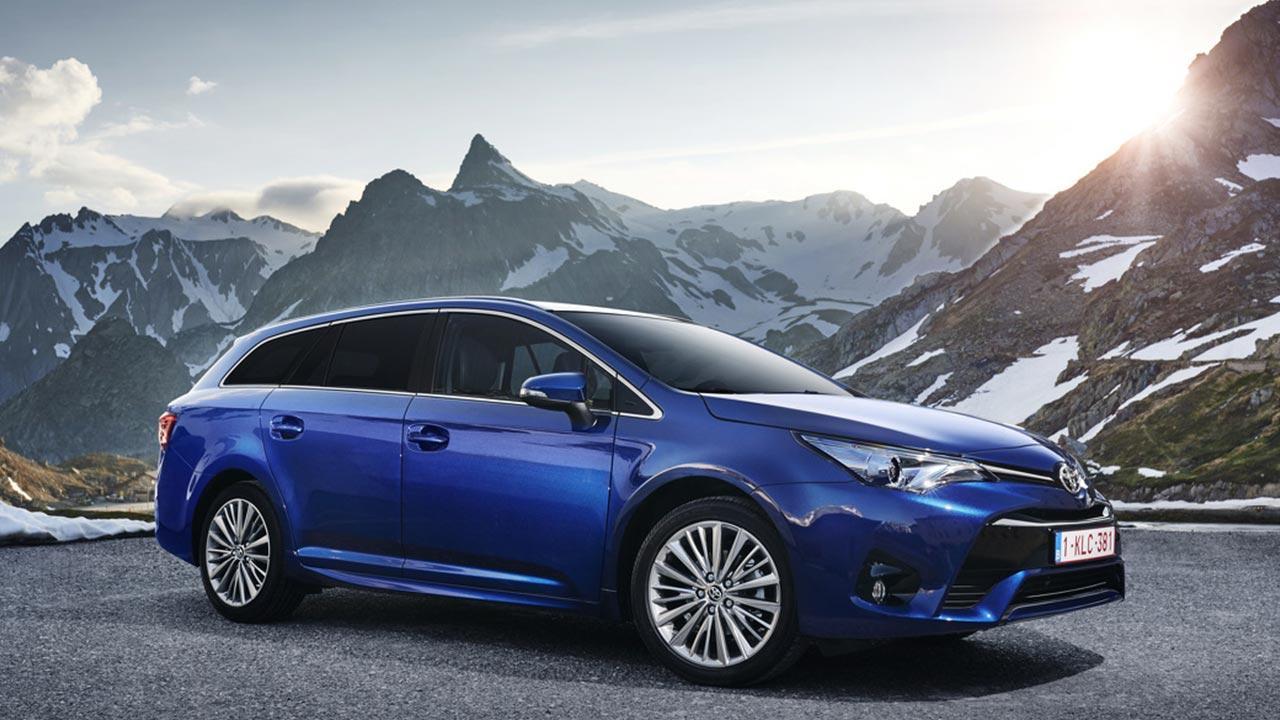 Toyota Avensis - in den Alpen