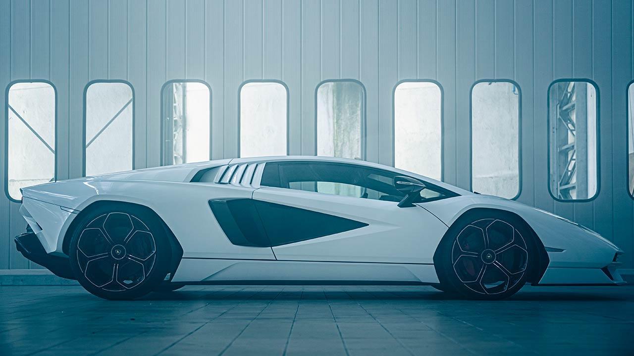 Lamborghini Countach LPI 800-4 - Seitenansicht