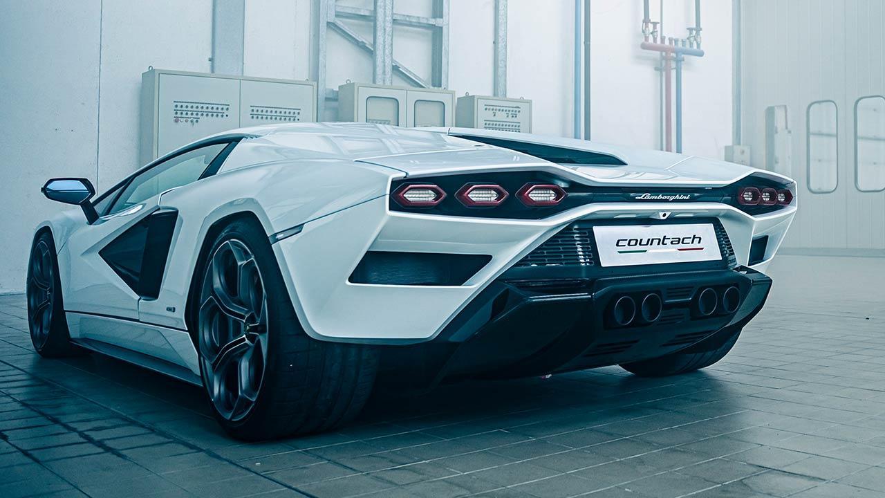 Lamborghini Countach LPI 800-4 - Heckansicht