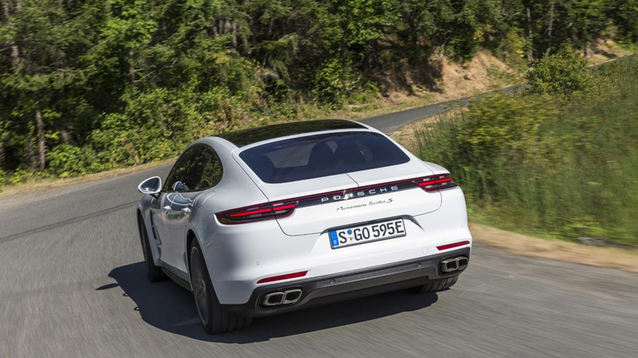 Porsche Panamera Turbo S E-Hybrid - Heckansicht