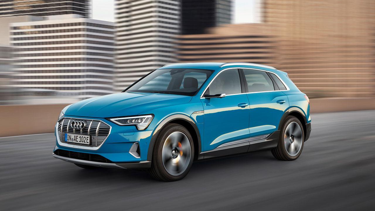 Audi e-tron - in voller Fahrt