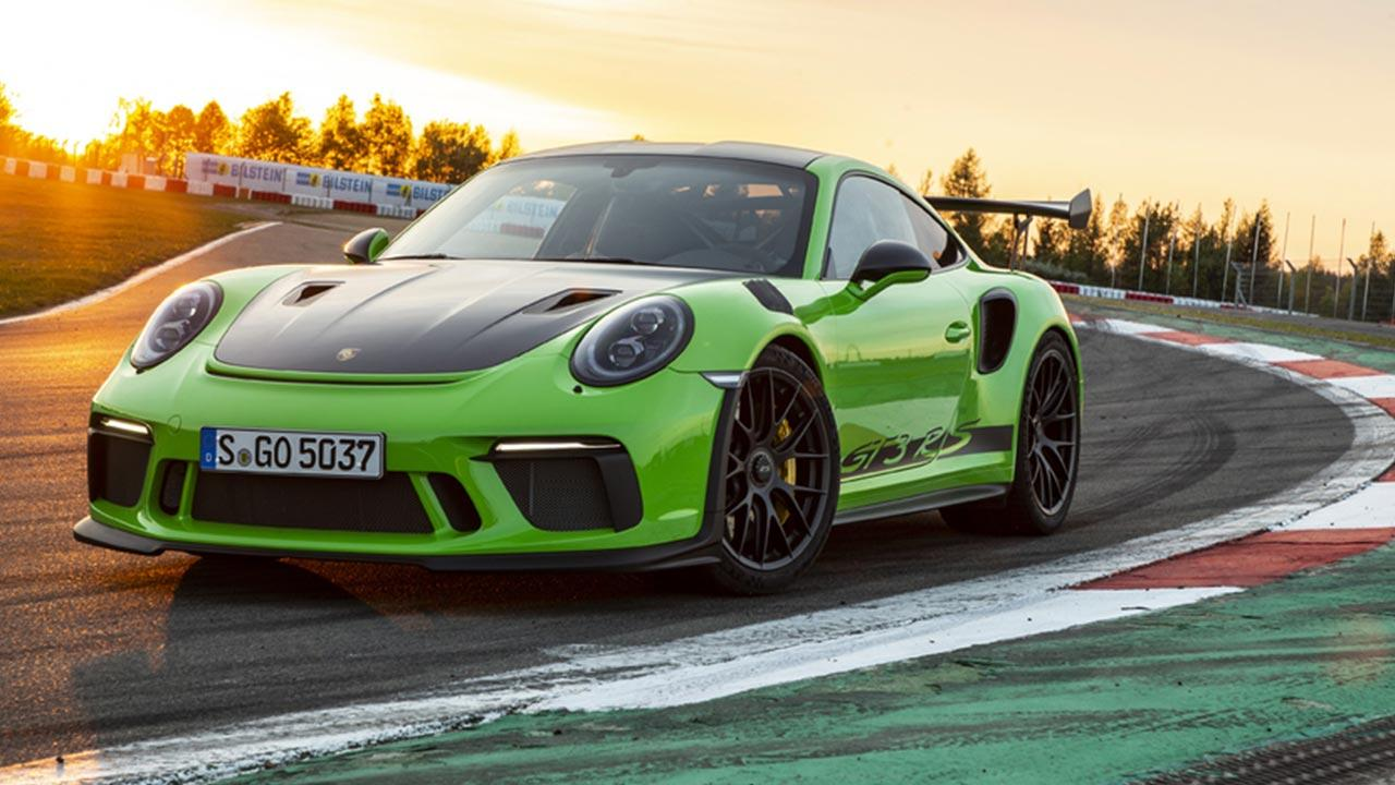 Porsche 911 GT3 RS - in Grün auf der Rennstrecke