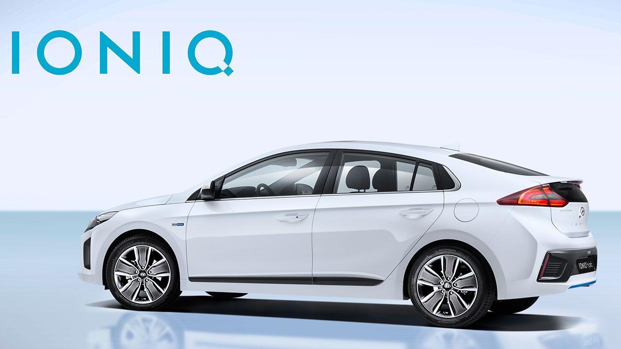 Hyundai Ioniq Hybrid - seitliche Rückansicht