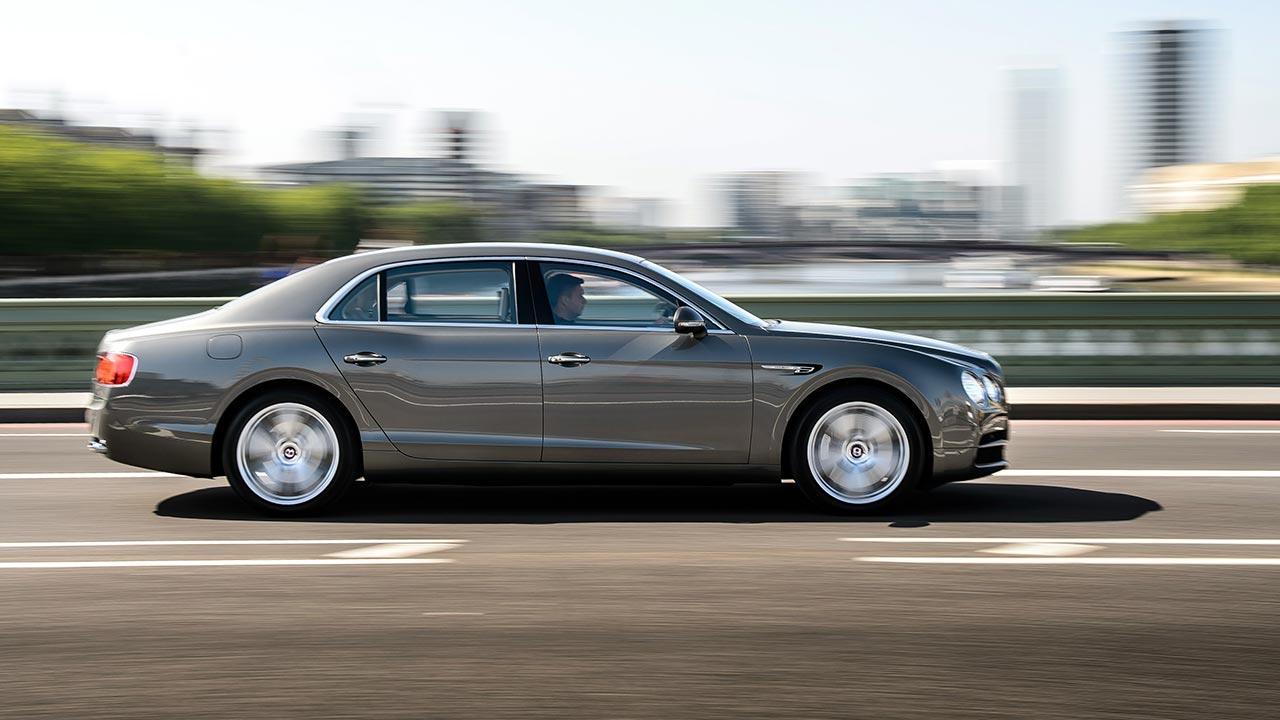 Bentley Flying Spur V8 - Seitenansicht