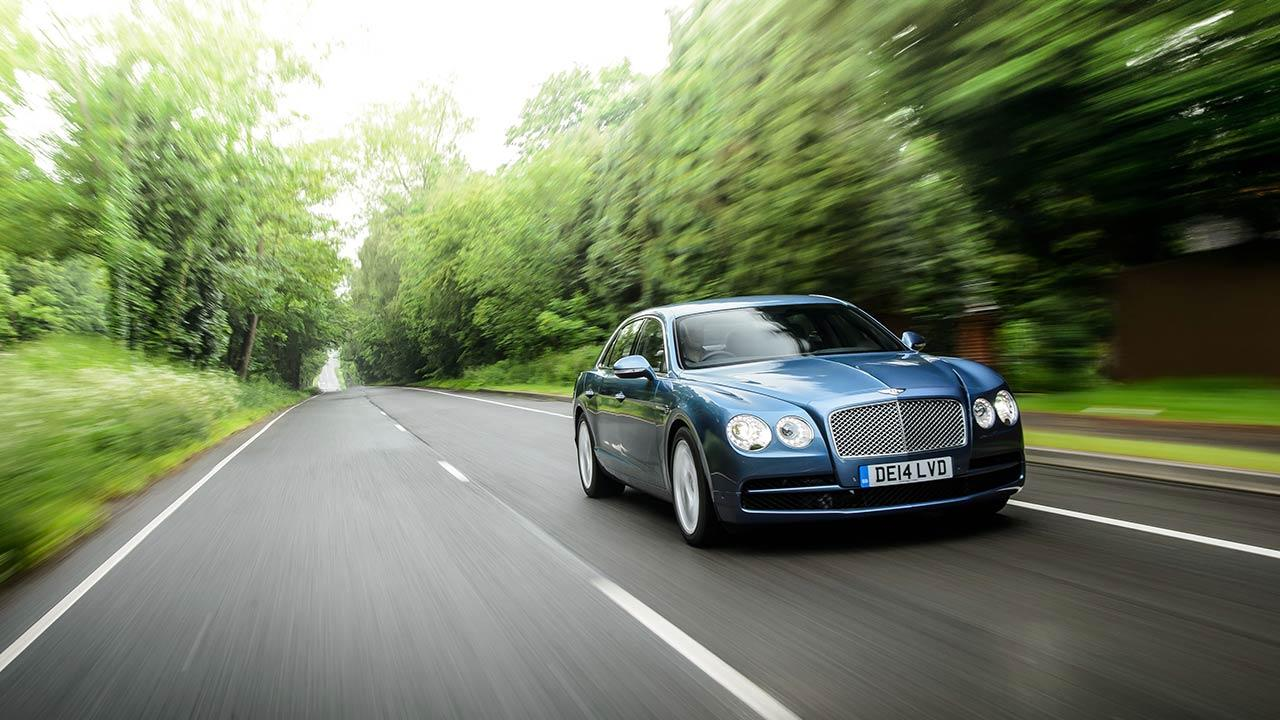 Bentley Flying Spur V8 - in voller Fahrt