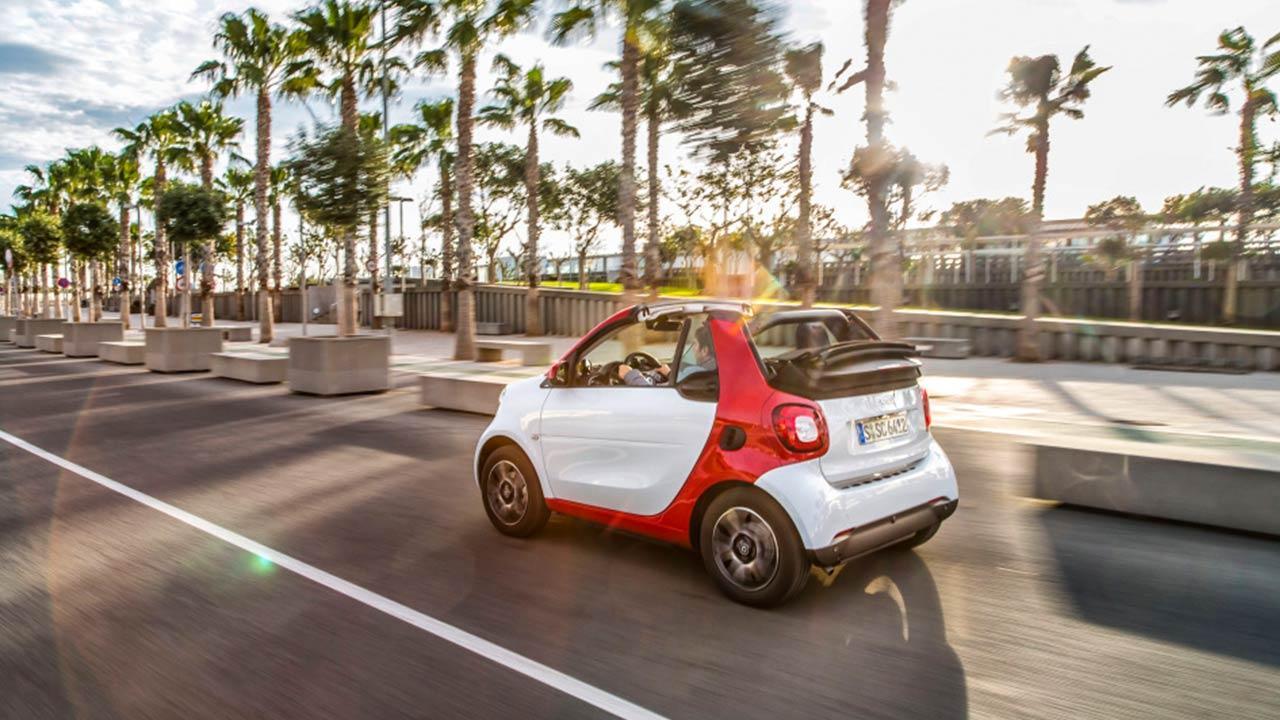 Smart Fortwo Cabrio - unter Palmen