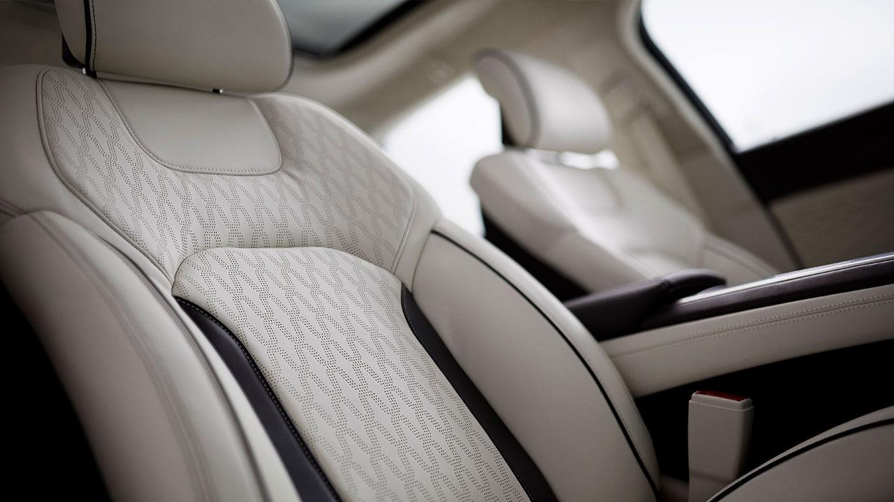 Lincoln MKZ Hybrid - Vordersitze