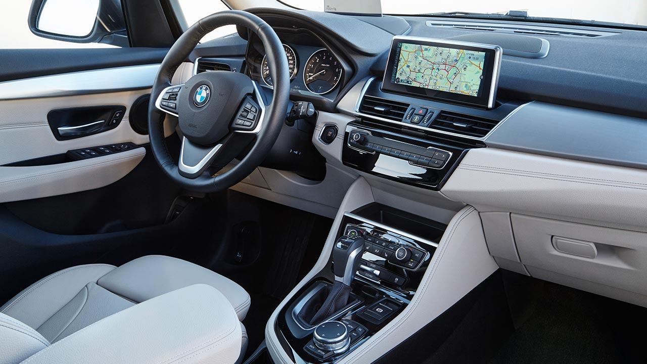 BMW 225xe iPerformance - Cockpit