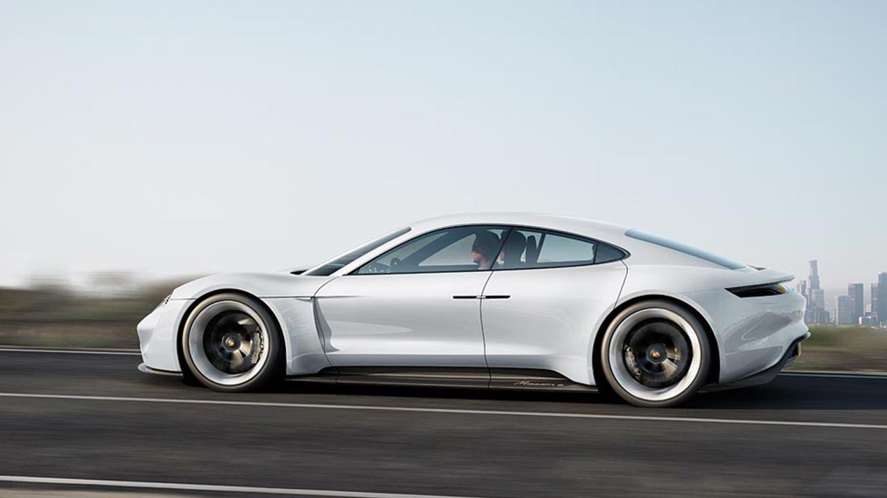 Porsche Taycan Misson E - Seitenansicht