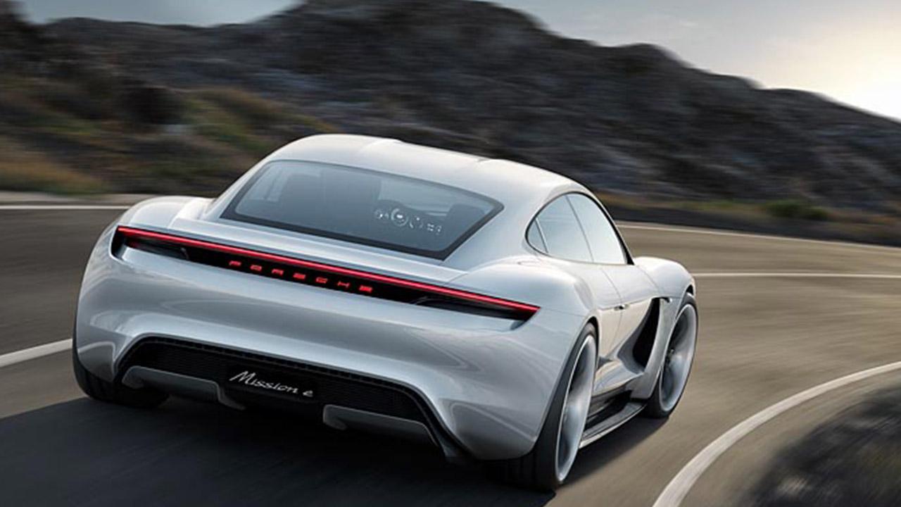 Porsche Taycan Misson E -  Heckansicht