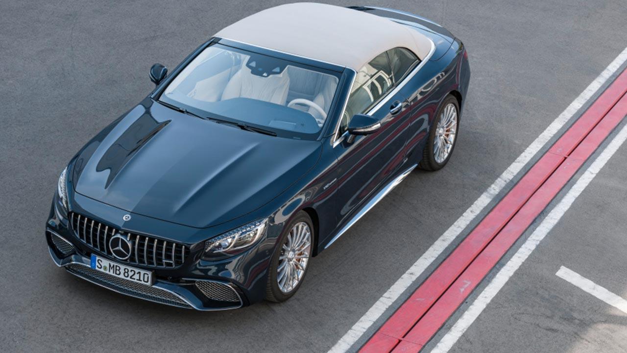 Mercedes-AMG S 65 Cabrio - Vogelansicht mit geschlossenem Verdeck