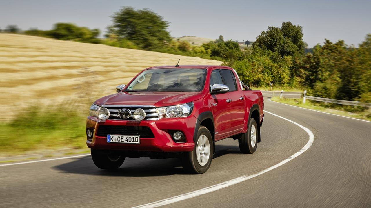 Toyota Hilux - in voller Fahrt