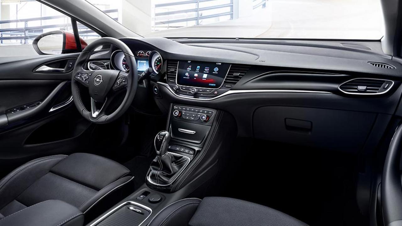 Opel Astra - Cockpit