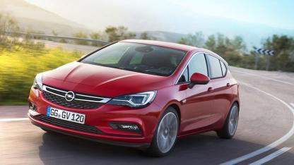 Opel Astra - in voller Fahrt