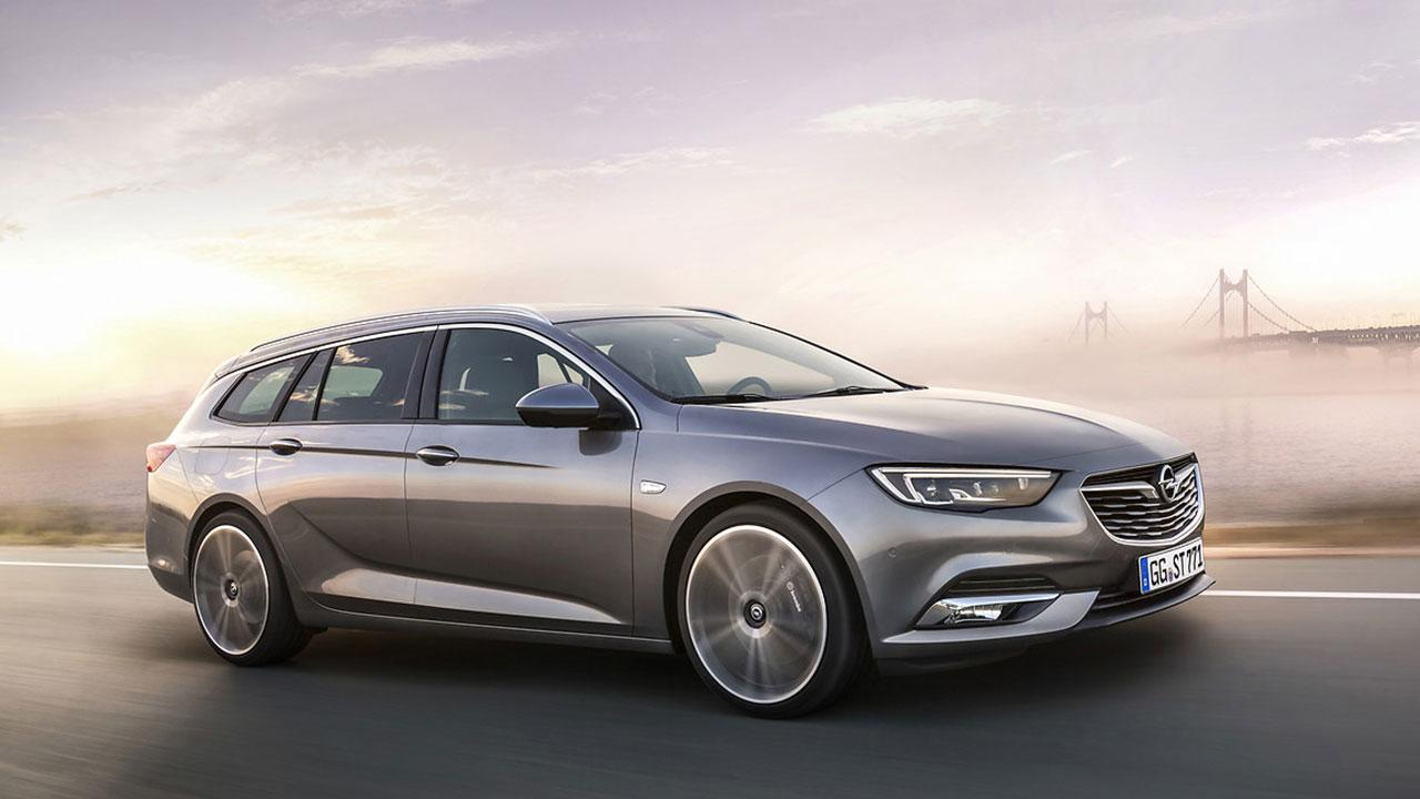 Opel Insignia Sports Tourer - in voller Fahrt