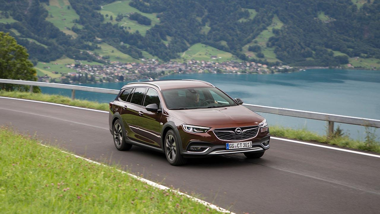 Opel Insignia Country Tourer - am See