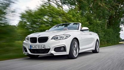 BMW 2er Cabrio - in voller Fahrt