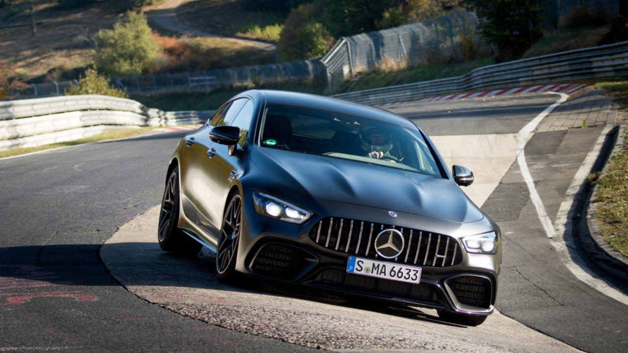 Mercedes-AMG GT 4-Türer Coupé - in voller Fahrt