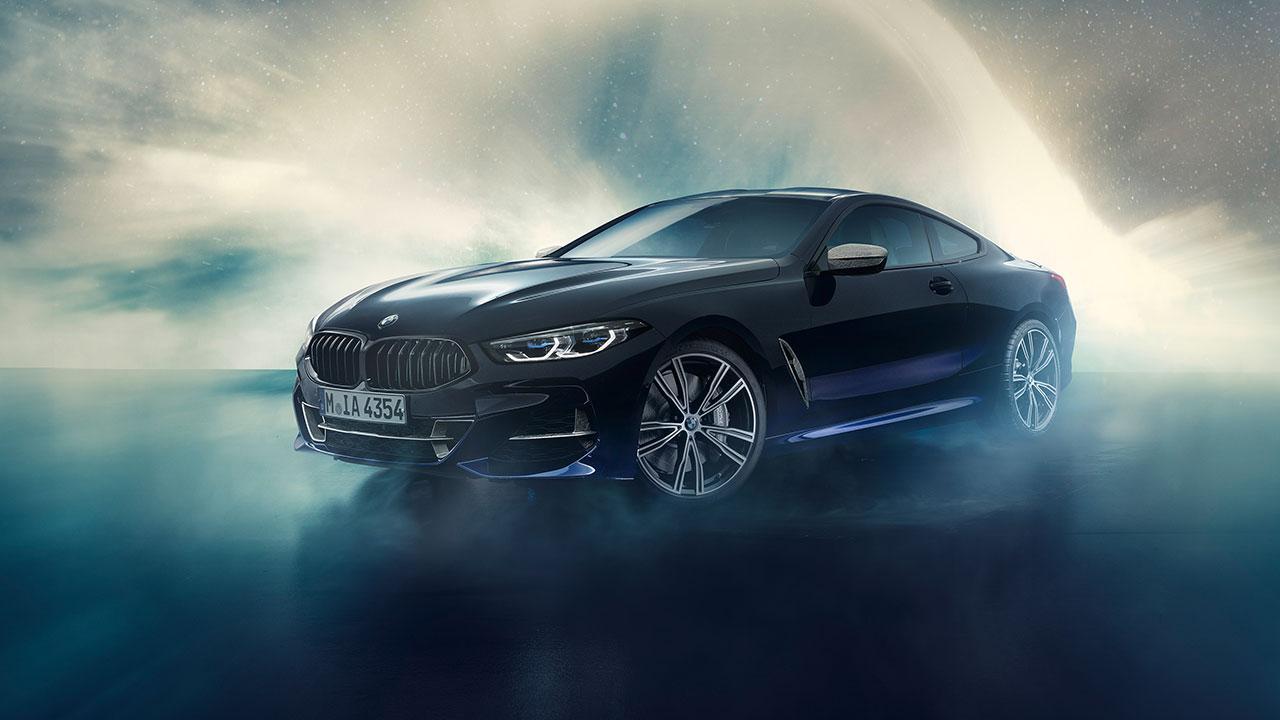 BMW M850i xDrive Coupé Night Sky - seitliche Frontansicht