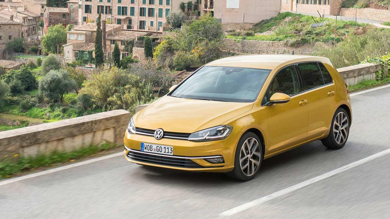 Volkswagen Golf VII Limousine - in voller Fahrt