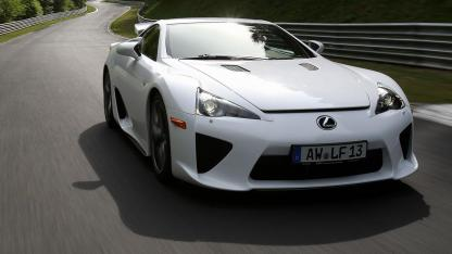 Lexus LFA - in voller Fahrt