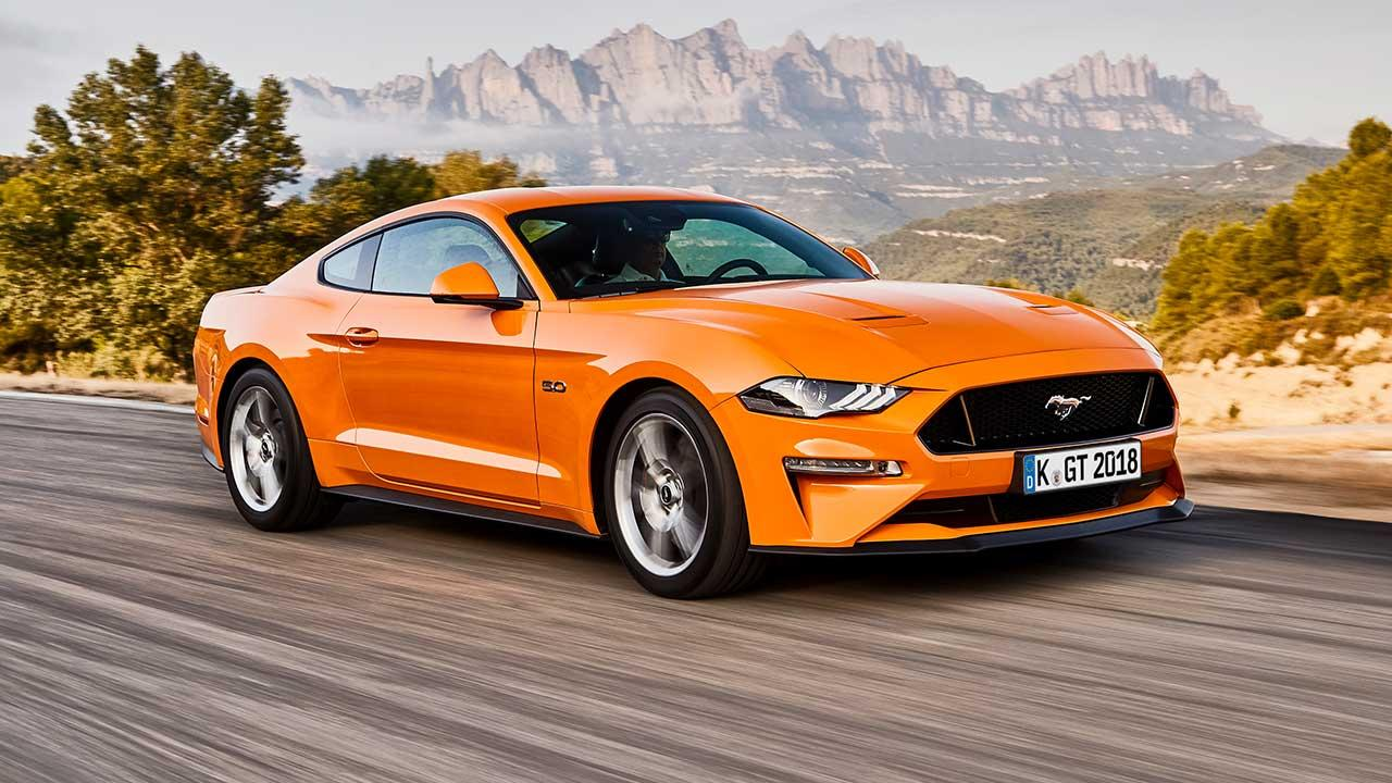 Ford Mustang - in orange