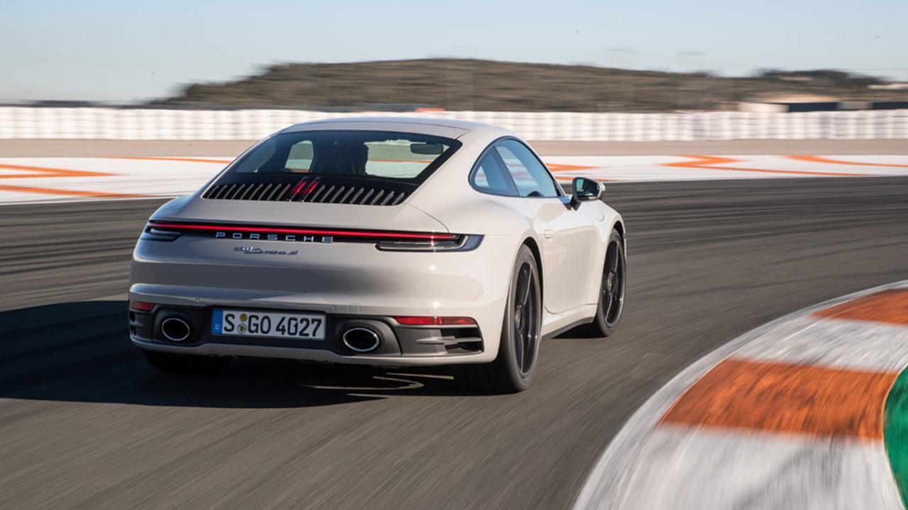 Porsche 911 Carrera (992) - Heckansicht