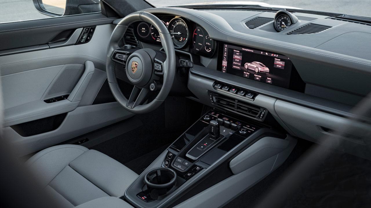 Porsche 911 Carrera (992) - Cockpit